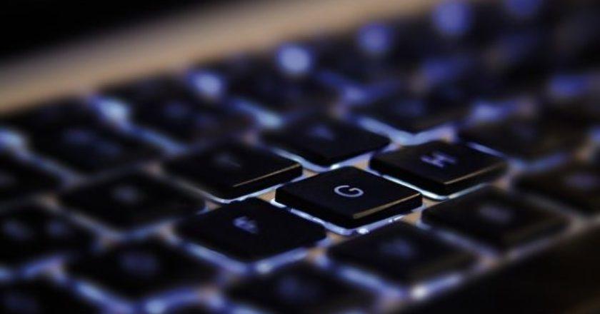 pc-keyboard-ypologistis-internet