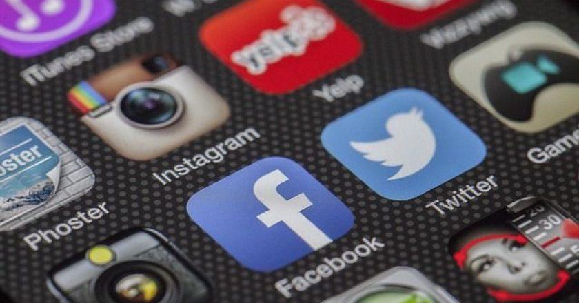 facebook-twitter-social-media-internet
