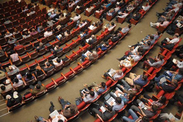 amfitheatro-forum-meeting