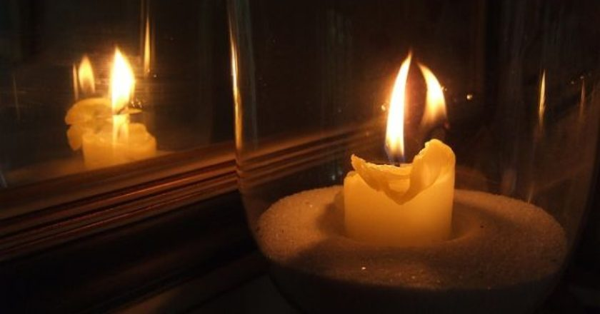 candle-mirror