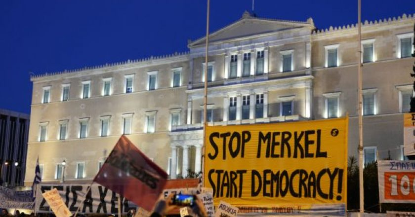 diadilwsi-syntagma-merkel