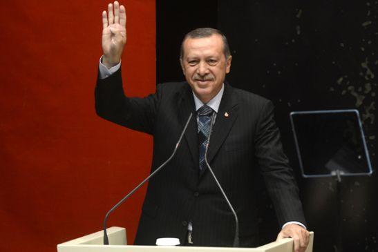 erdogan_gesturing_rabia_cc_kali_swsto