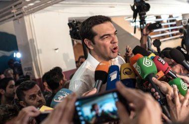 tsipras-mikrofwna-panikos