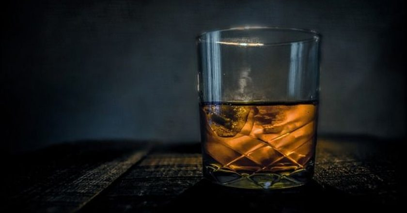 whiskey-bar-potiri-alcohol