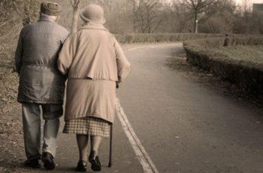 Παλιά γιαγιά όργιο