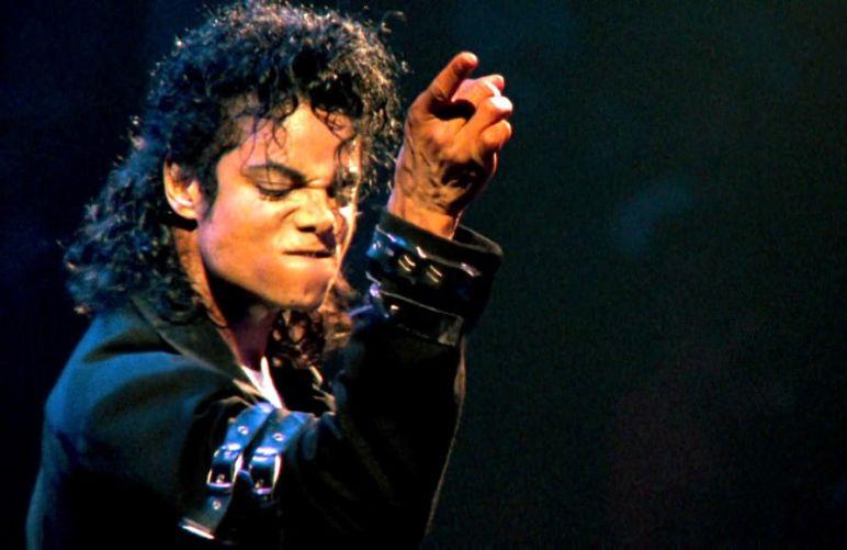 Michael-Jackson-akoma-mavros