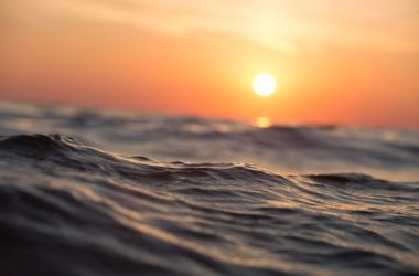 waves-thalassa-kymata-iliovasilema-sea-sunset