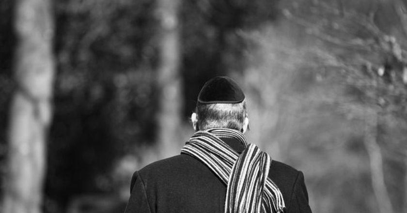 kippah-evraioi-olokaytwma-ratsismos-antisimitismos-simites
