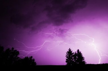 thunderstorm-vroxi-astrapes-kataigida-keravnos