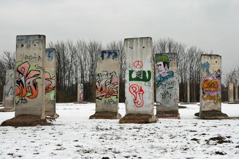 toixos-tou-verolinou-berlin-wall