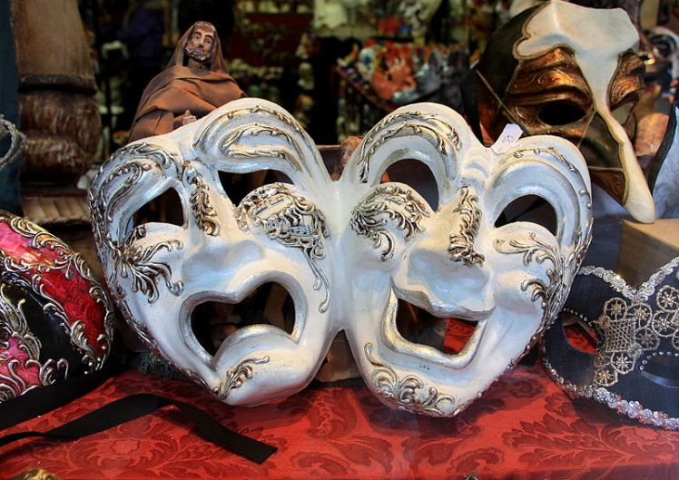 Mask_Shopping_in_Venice-humor-comedy-tragedy-kwmwdia-photo by Christine Zenino