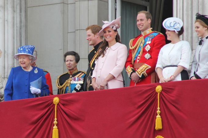 The_royal_family Carfax2 [CC BY-SA (https://creativecommons.org/licenses/by-sa/3.0)]