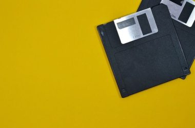 floppy-disk-texnologia-palia-retro-outdated-nostalgia-tech
