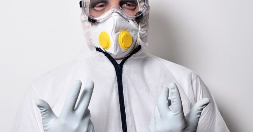 maska-giatros-doctor-virus-corona-koronoios-gripi