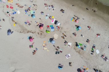 paralia-beach-thalassa-sea-oikogeneies-mpanio