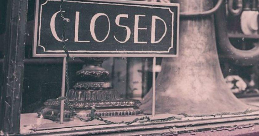 closed-kleisto-magazi-epixeirisi-oikonomia