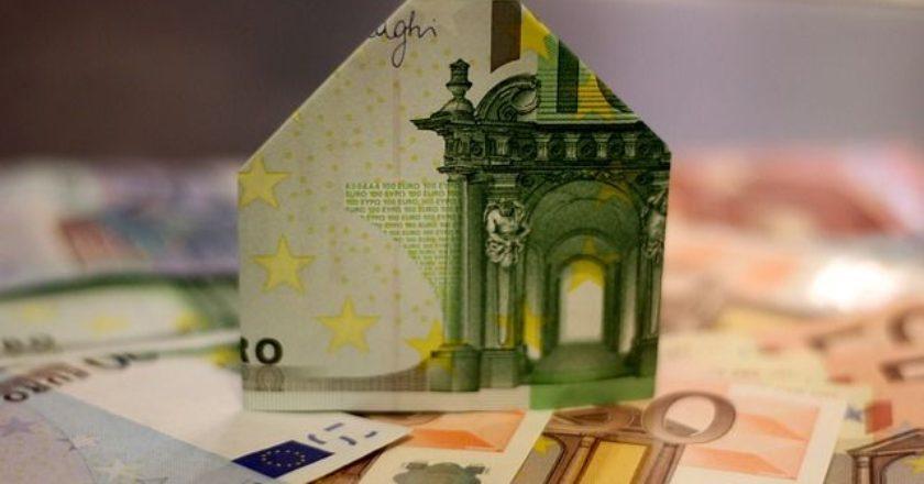 spiti-xrima-lefta-oikonomia-euro