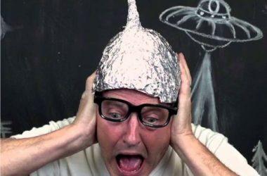 tin-fiol-hat-kapelo-alouminoxarto-synwmosiologos-trelos-synvmosia