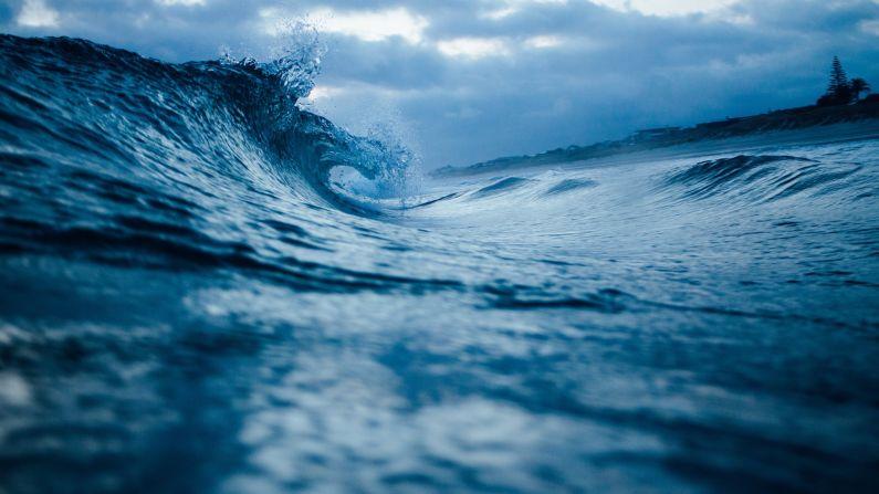 ocean-wave-kyma-thalassa-nero