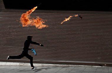 molotov-vomva-mpaxala-diadilwseis-poreia-mavro-block-anarxikoi