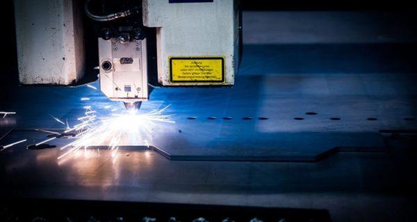ergostasio-laser-paragwgi-mixani-robotiki